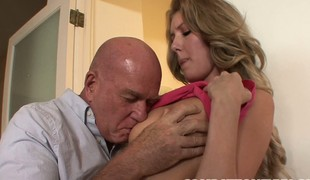 Remarkable high-grade blonde with ripsnorting breast Emily Kae enjoys her period with an doyenne gleam