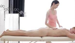 Teen massage goes shoplift