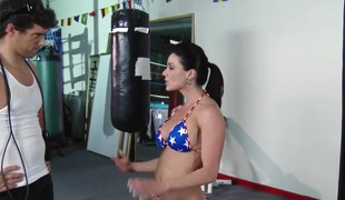 Kendra Lust exhaustive fucking workout in the gym!
