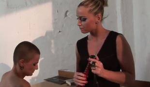 Blonde Kathia Nobili likes the way Sinead rubs their way adulate box
