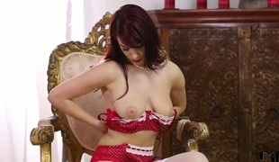 Redhead Roxy Mendez gets down all by herself