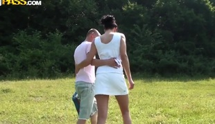 Teen non-professional couple walks in the park to make wild sex