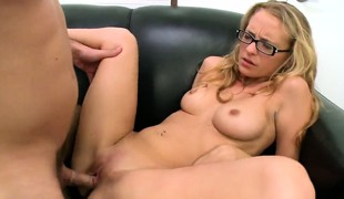 Skinny mart in glasses gets her penurious muff fucked till that babe cums