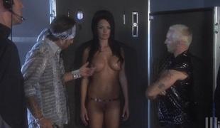 Unfortunate hawt botheration sluttie Kirsten Pric plays with huge dongs in hawt blowjob scene