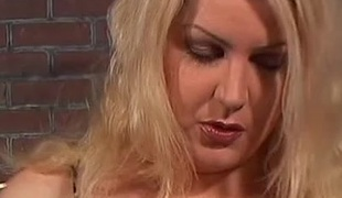 Flirtatious milf with a hairy pussy acquires pussy licked then screwed hardcore