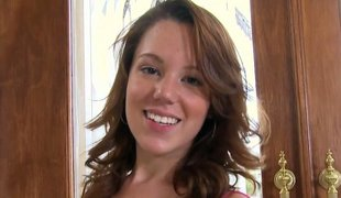 Redhead sweety Lizzie Rhodes