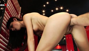 Betty Saint has got a overflowing with pussy - public house is pocket watch a fist-fucking warm-up