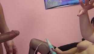 Samantha Bentley, Mary Jane Mayhem, Scott Lyons in Samantha Shows off her Squirting Skills Video